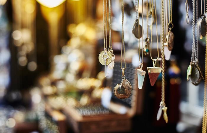 ca07d64d60a194e754f480f6e84628539a5d4fc5_necklaces-from-poppie-jasper-camden-lock-camden-market_cm_jo_detail